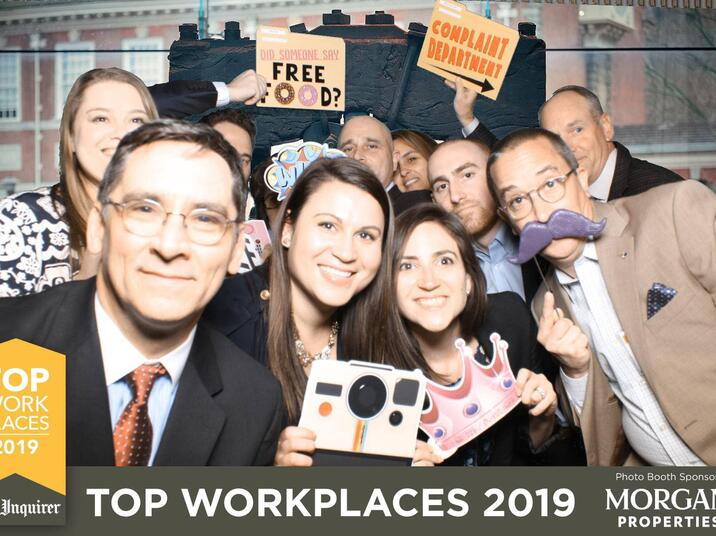 Facebook Group Selfie Top Workplace Vertex